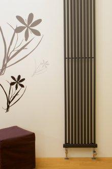 heizk rper laurens vertikale und schmale heizk rper f r. Black Bedroom Furniture Sets. Home Design Ideas